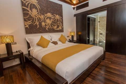 amiana-oc-dao-xinh-dep-o-nha-trang-ocean-front-villa-bed-room.jpg (26 KB)