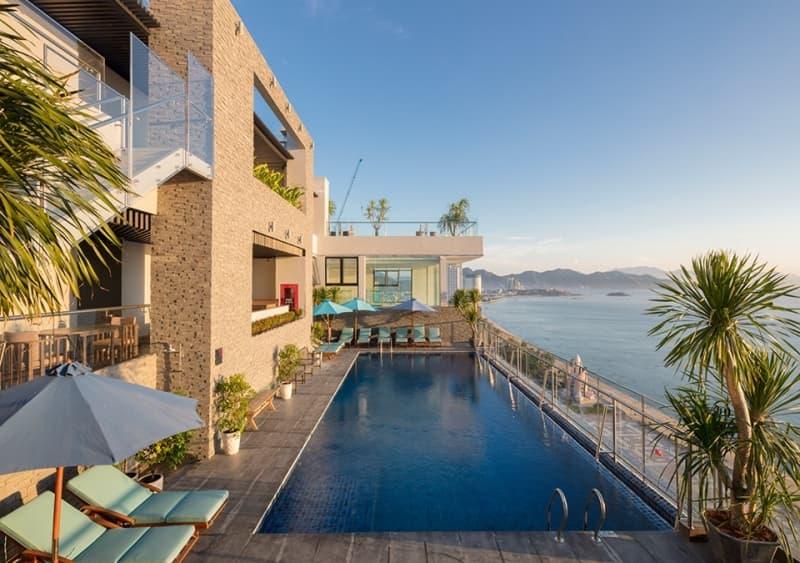 ho-boi-tang-thuong-maple-hotel.jpg (209 KB)