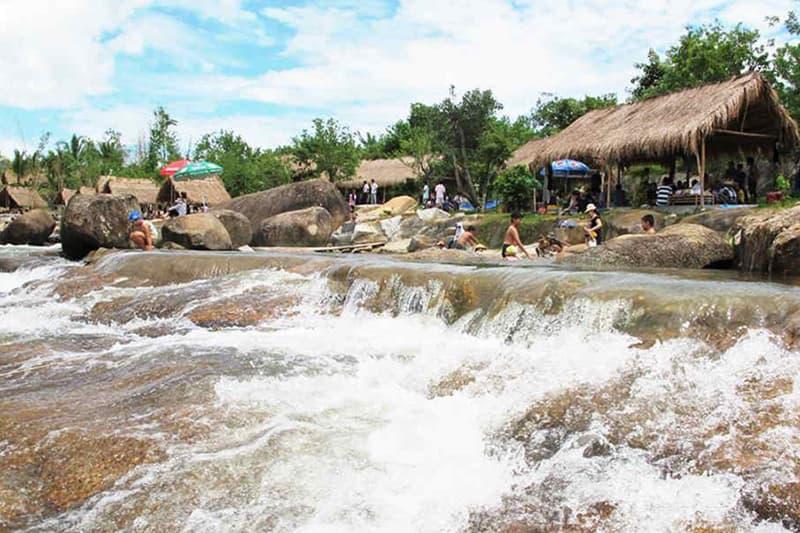 Công viên du lịch suối Thạch Lâm