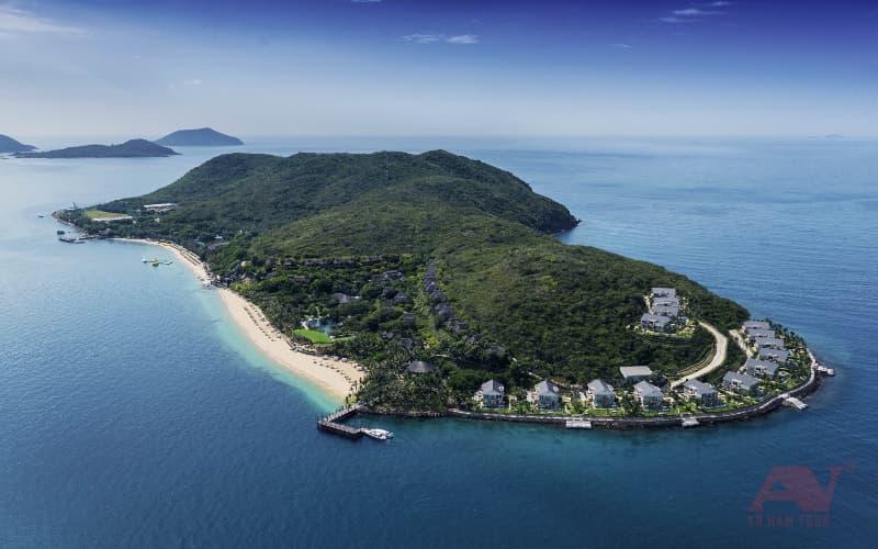 đảo Hòn Tằm Nha Trang từ trên nhìn xuống