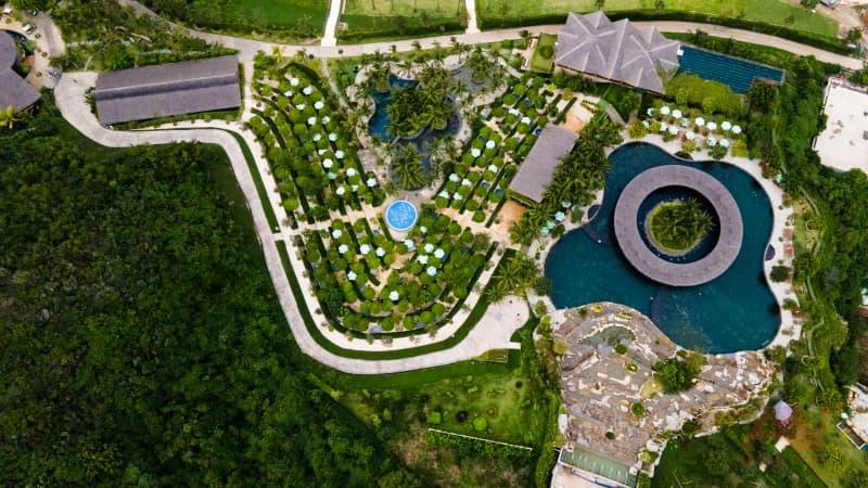 toàn cảnh khu tắm bùn trên đảo Hòn Tằm Nha Trang