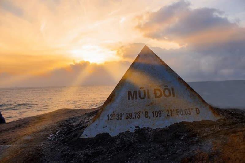 Khám phá danh thắng Mũi Đôi - Hòn Đầu — Nơi đón ánh mặt trời đầu tiên trên đất liền của Tổ quốc