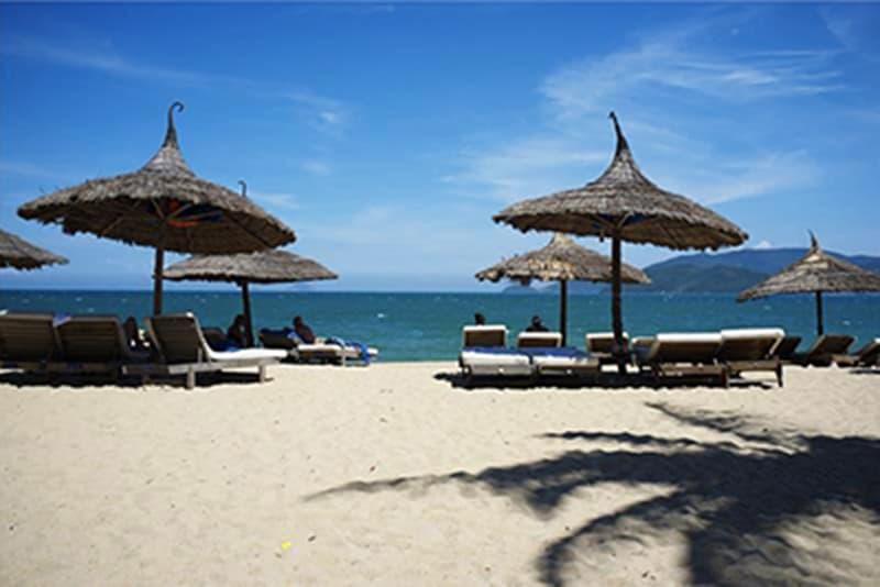 Những bãi tắm đẹp nhất vịnh Nha Trang (Phần 1)