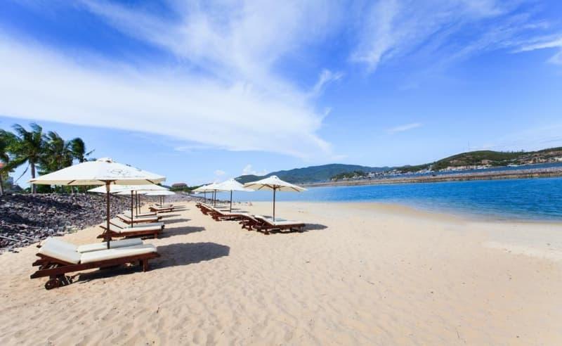 Những bãi tắm đẹp nhất vịnh Nha Trang (Phần 2)
