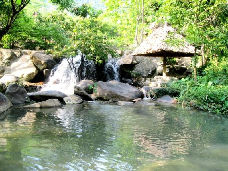 Những con thác và suối nổi tiếng ở Nha Trang