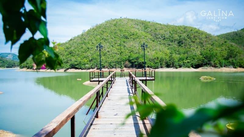 galina-lake-view-4.jpg (88 KB)