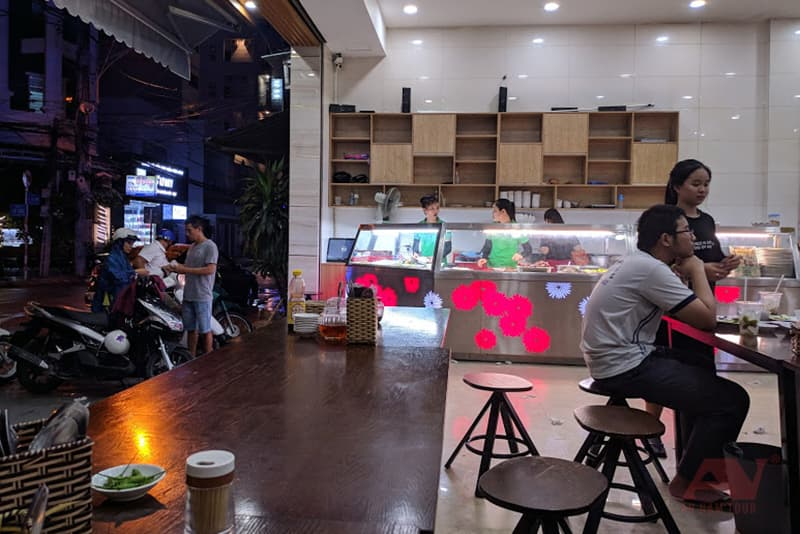 cơm tấm sườn que - quán cơm Nha Trang ngon