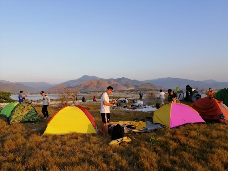 cắm trại tại Hòn Già