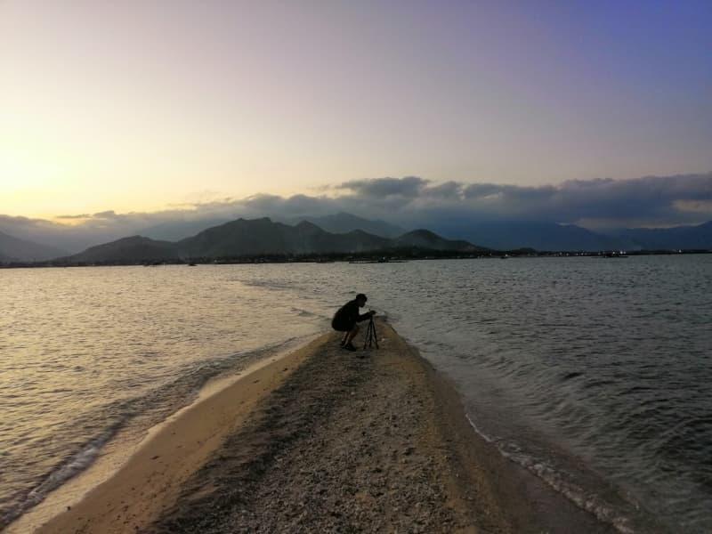 con đường trên biển tại Hòn Già
