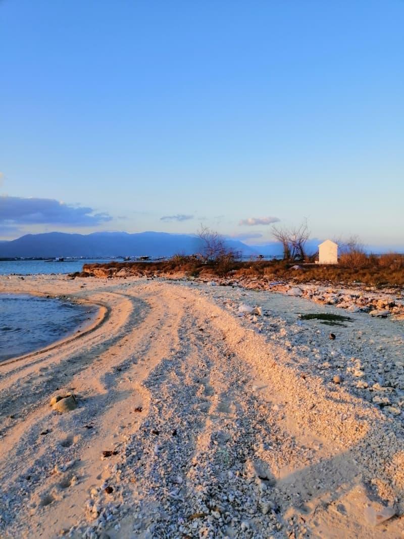 Bãi biển Hòn Già