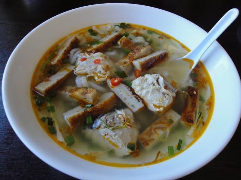 bánh canh lòng cá Lê Thành Phương Nha Trang