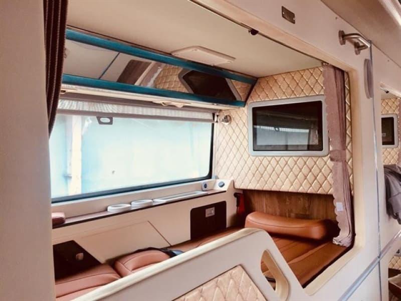 luu-gap-10-nha-xe-limousine-giuong-nam-hang-sang-chuyen-tuyen-mien-nam-e0dd390e636650950157189874.jpg (72 KB)