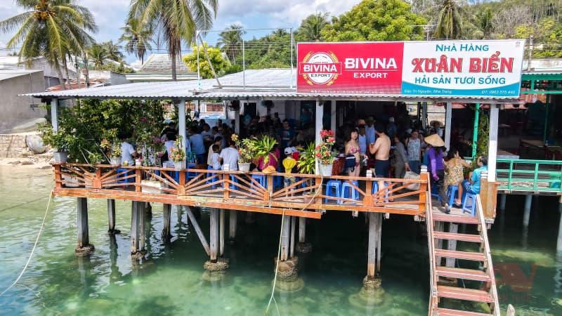 nhà hàng trên biển An Nam Tour