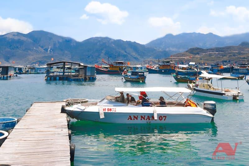 thuê ca nô du lịch Nha Trang - An Nam Tour