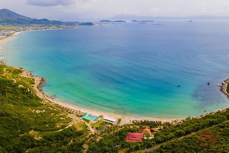 Toàn cảnh Gành Nhảy vịnh Ninh Vân