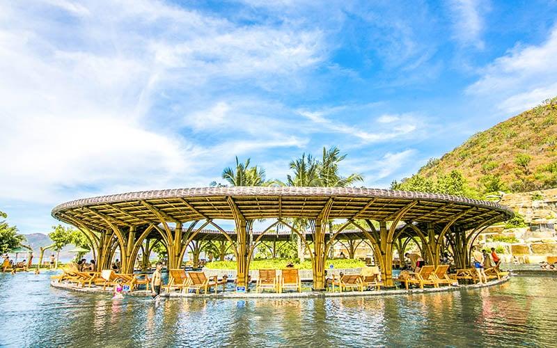 Hồ bơi vô cực tại đảo Hòn Tằm