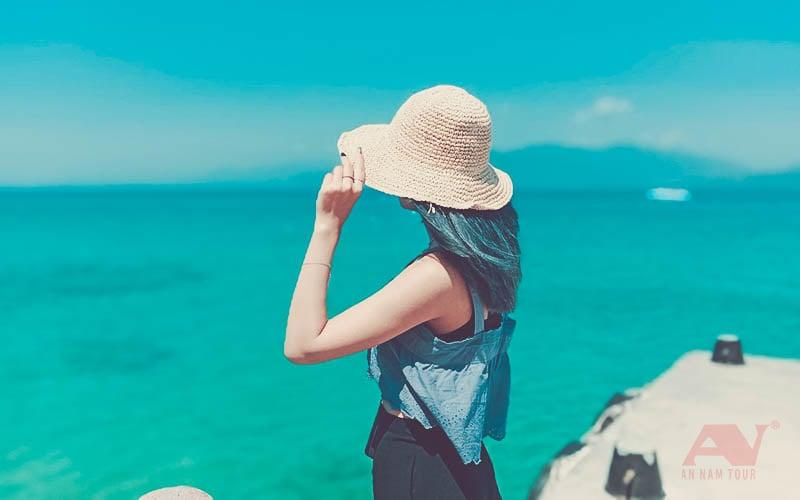 Biển Hòn Mun trong xanh