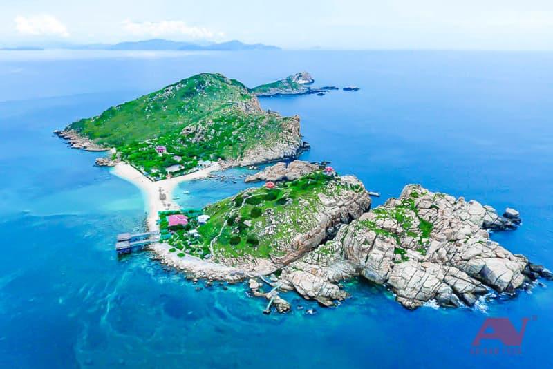 Đảo yến Hòn Nội nhìn từ trên cao