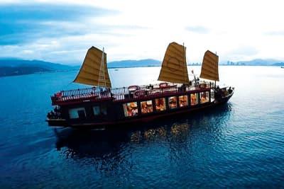 Tour Du thuyền Emperor - Khám phá vịnh Nha Trang