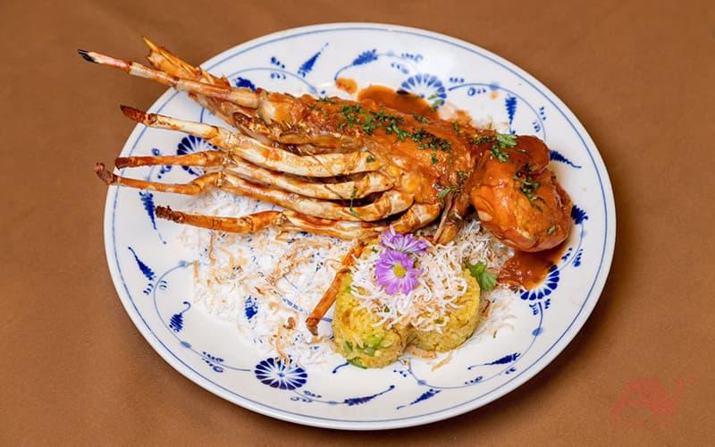 Bữa tối trên du thuyền Emperor