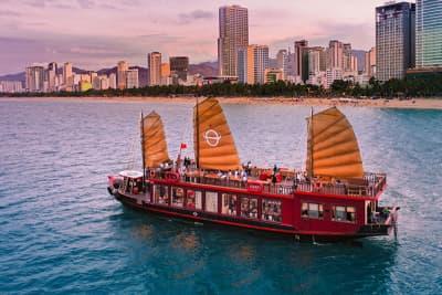 Tour Du thuyền Emperor - Ngắm hoàng hôn