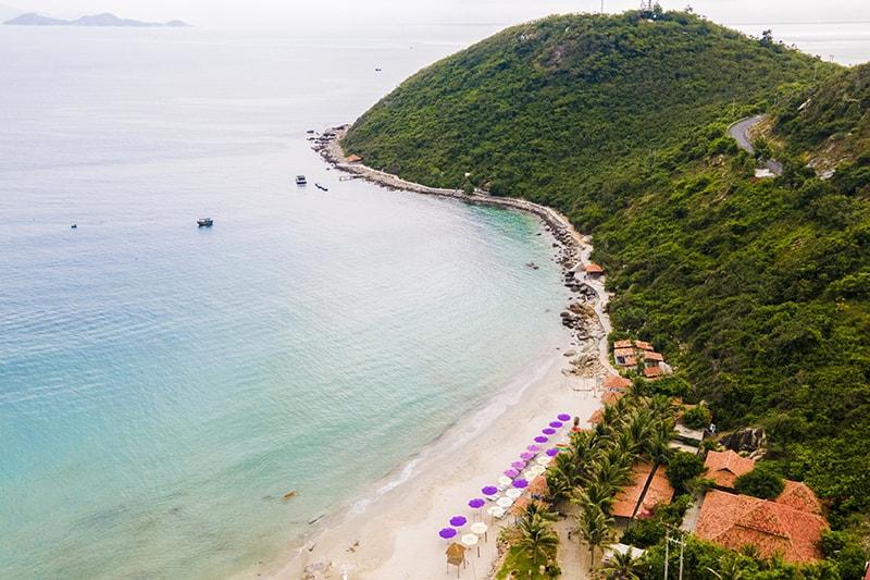 Bãi biển Gành Nhảy nhìn từ trên cao