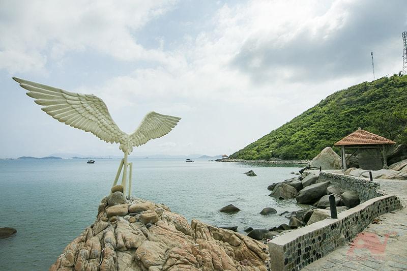 Đôi cánh giữa biển tại Gành Nhảy