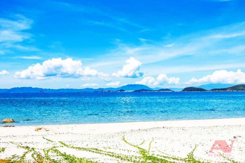 Bãi biển Gành Nhảy