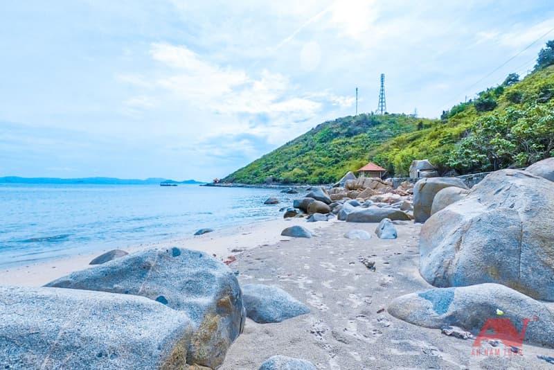 Một góc bãi biển Gành Nhảy