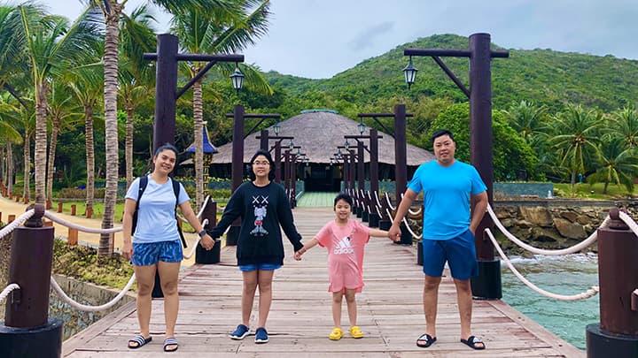 Du lịch Hòn Tằm cùng gia đình